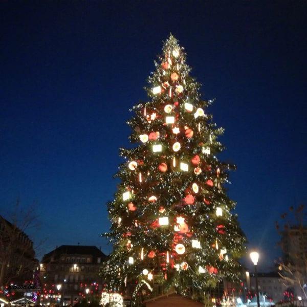 karacsonyfabontas via karácsonyfa kültéren