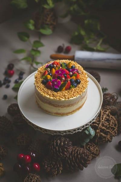 randompentek-harminclettem -szülinapi torta és tobozok